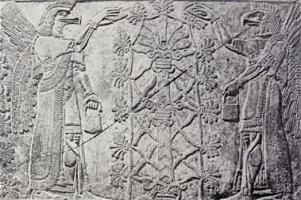 anunaki-gods-in-eagle-helmets